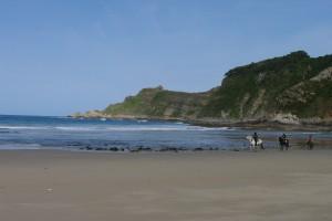Paseo a caballos por Asturias, Paseo a caballo por la Playa de San Pedro, Hotel Rural Suquin